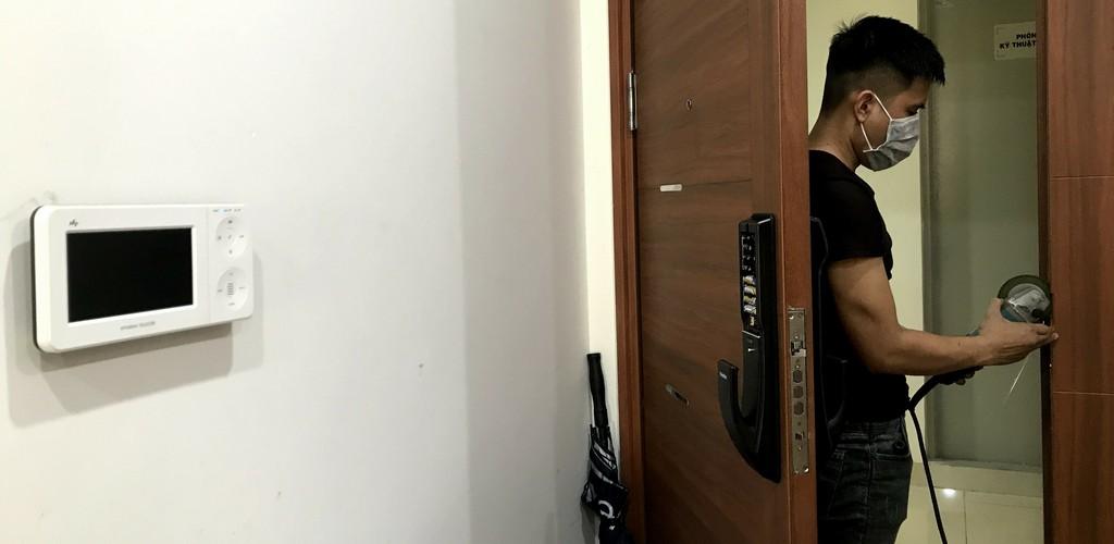 Lắp đặt khóa cửa vân tay tại Đà Nẵng